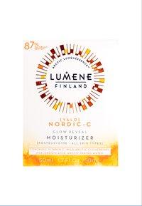 Lumene - NORDIC C [VALO] GLOW REVEAL MOISTURIZER  - Dagcreme - - - 1