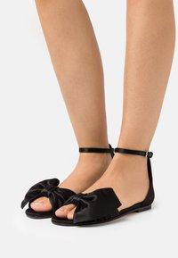 Red V - Sandals - nero - 0