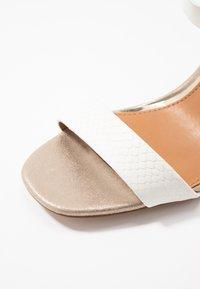River Island - Højhælede sandaletter / Højhælede sandaler - white - 2