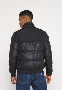 Criminal Damage - POLAR PUFFER JACKET - Zimní bunda - black - 3
