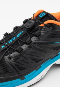 Salomon - XT-WINGS 2 ADV UNISEX - Sneakers basse - black/exuberance/transcend blue - 5