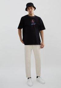 PULL&BEAR - Print T-shirt - black - 1