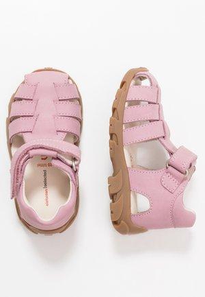 FIDO - Sandaalit nilkkaremmillä - pink