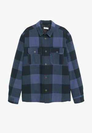 KARIERTE MIT TASCHEN - Skjorte - blau