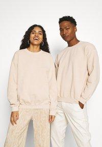 Mennace - ATHLETICS UNISEX - Sweatshirt - beige - 2