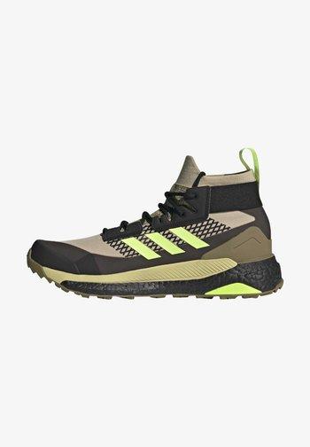 TERREX FREE HIKER GORE-TEX PRIMEKNIT - Climbing shoes - beige