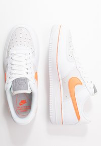Nike Sportswear - AIR FORCE 1 - Sneakers laag - white/total orange/platinum tint - 3