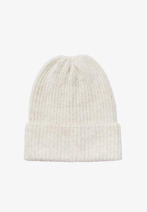 Bonnet - white