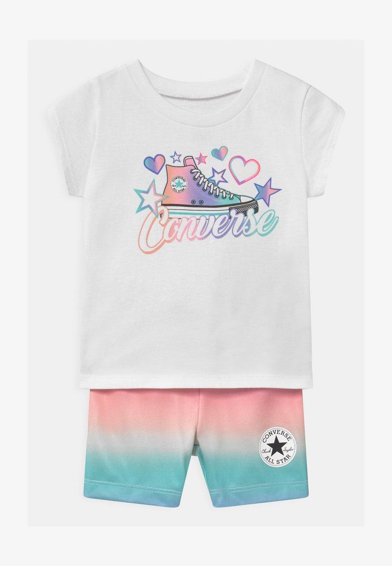 Converse - PRINTED BIKER SET - Shorts - white