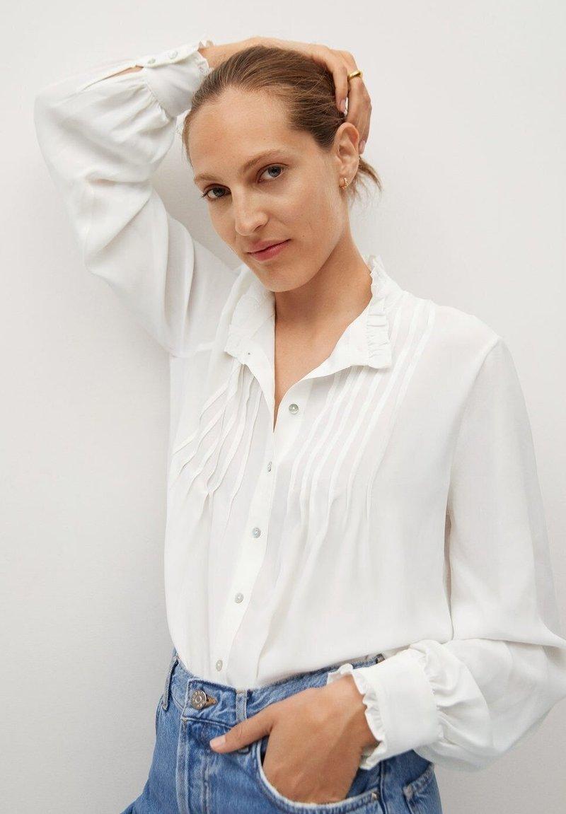 Mango - CACHITO - Button-down blouse - šedobílá