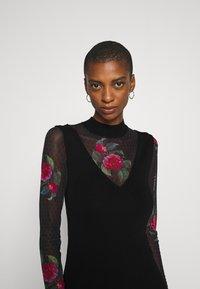 Desigual - VEST TOKIO - Strikket kjole - black - 5