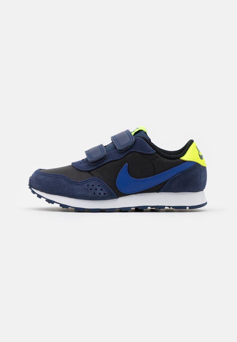 Nike Sportswear - VALIANT UNISEX - Trainers - black/astronomy blue/midnight navy/volt