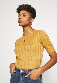 Soeur - DELON - T-shirt basic - miel - 0