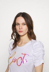 Liu Jo Jeans - MODA - T-shirts med print - bianco ottico - 5