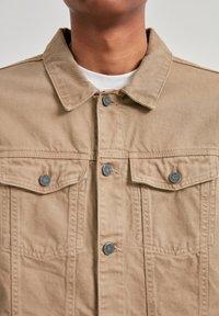 PULL&BEAR - Džínová bunda - mottled brown - 3