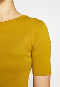 J.CREW - CREWNECK ELBOW SLEEVE - Basic T-shirt - bronzed olive - 5