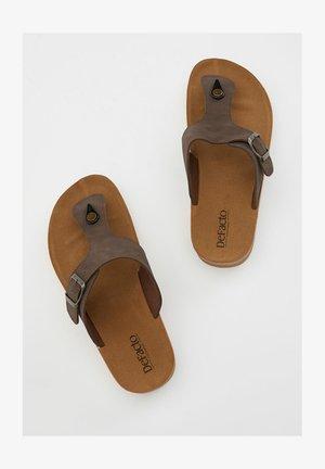 Sandalias de dedo - brown