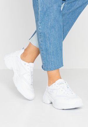 INDUS - Trainers - white