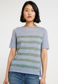 MAERZ Muenchen - RUNDHALS - T-shirt imprimé - clear blue - 0