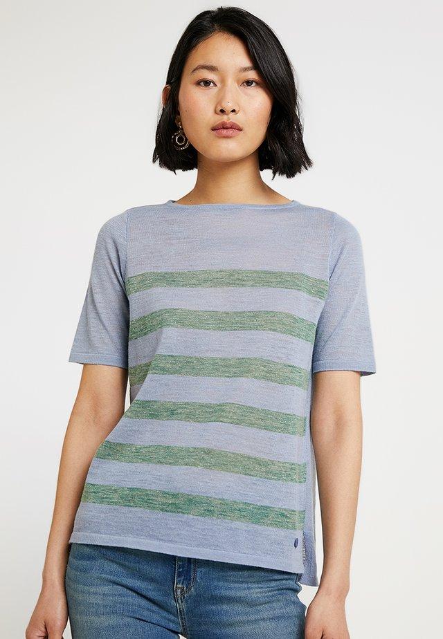 RUNDHALS - T-shirt z nadrukiem - clear blue
