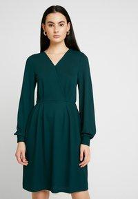 ONLY - ONLMONNA DRESS - Jersey dress - ponderosa pine - 0