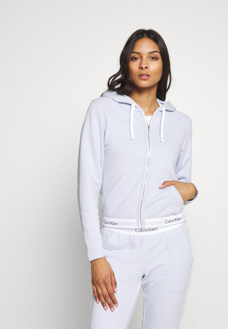 Calvin Klein Underwear - MODERN LOUNGE FULL ZIP HOODIE - Pyžamový top - ice pulp