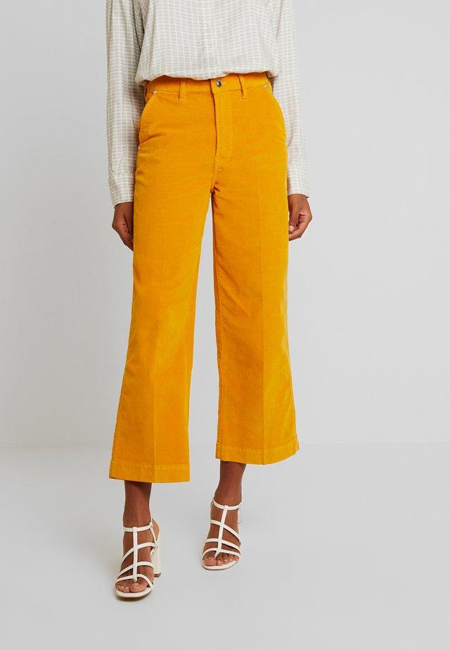 LOLA CULOTTE BABY - Trousers - orange