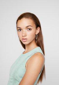 Vero Moda - VMBIRGITTA DRESS - Denní šaty - jadeite - 3