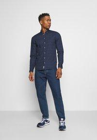 Blend - Skjorta - dress blues - 1