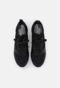 MICHAEL Michael Kors - BILLIE TRAINER - Sneakersy niskie - black - 4
