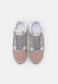 Emporio Armani - Trainers - ciment/rose/white - 5