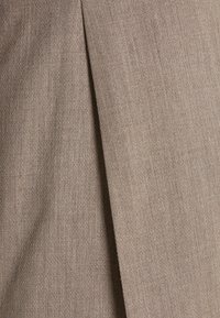 Selected Homme - SLHSLIM MYLOBILL STRUCTURE SUITE - Traje - sand - 7