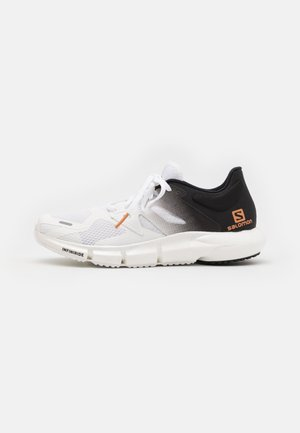 PREDICT2 - Trail running shoes - white/black