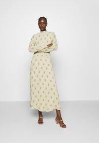 IVY & OAK - RAPA - Maxi dress - light savanna - 0