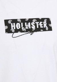 Hollister Co. - Printtipaita - white - 2