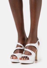 Menbur - Sandály na vysokém podpatku - silber - 0