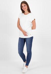alife & kickin - Basic T-shirt - white - 1