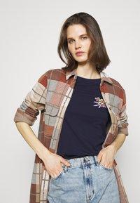 Anna Field - Print T-shirt - dark blue - 3