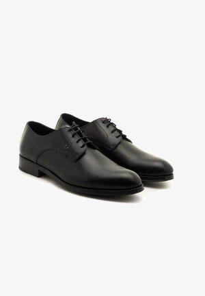 EMPIRE - Zapatos con cordones - black