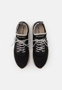 Columbia - SUMMERTIDE - Chaussures de marche - black/dark stone - 3