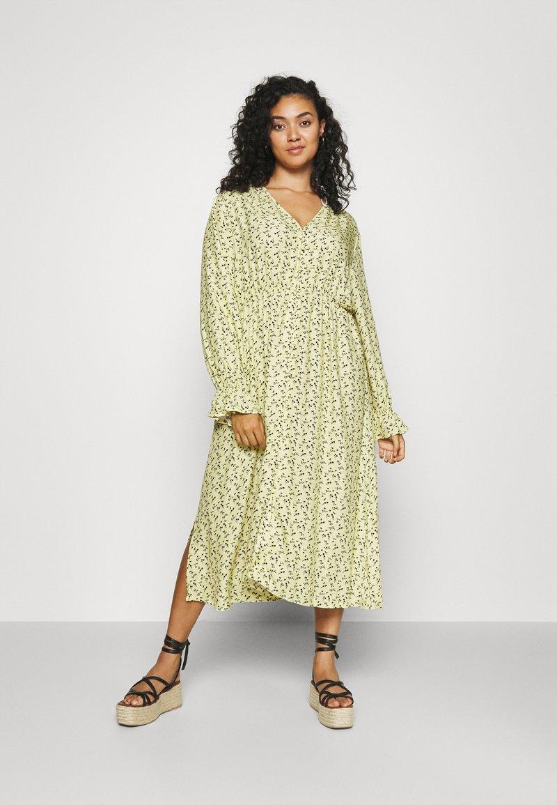 NU-IN - BUTTON UP MIDI DRESS - Maxi dress - yellow