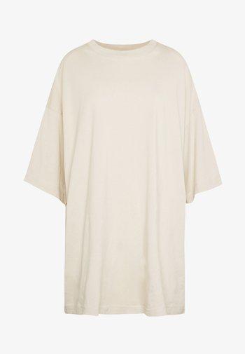 HUGE  - Basic T-shirt - beige