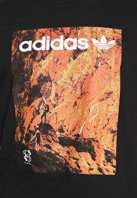 adidas Originals - TEE - Print T-shirt - black - 5