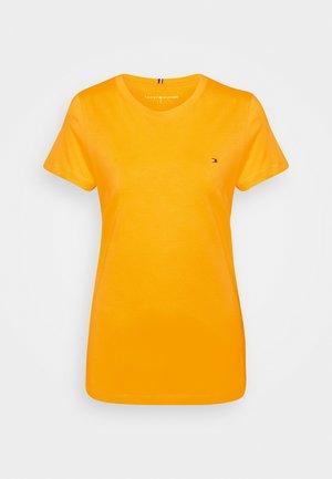NEW CREW NECK TEE - T-shirts - solstice