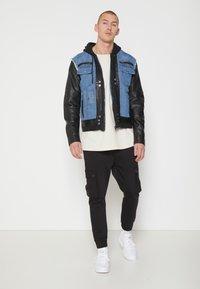Be Edgy - BEMAX D - Denim jacket - black/indigo - 1