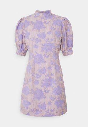 ENBROOME DRESS  - Hverdagskjoler - lilac/rose