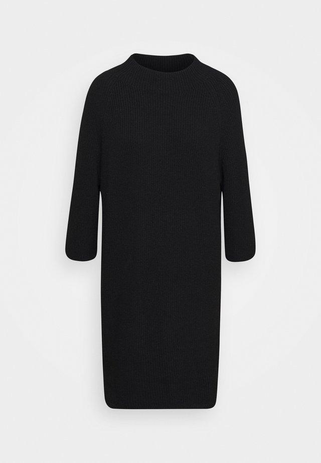 PULLOVERDRESS 3/4 SLEEVES RAGLAN - Vestido de punto - pure black