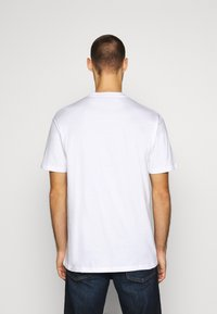 Chi Modu - BIG MACK - Printtipaita - white - 2