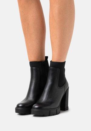 BOLDER - Kotníková obuv na vysokém podpatku - black
