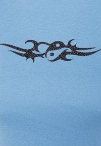Local Heroes - TRIBAL YIN YANG SLIM FIT  - Print T-shirt - blue - 2